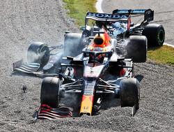 Toto Wolff impliceert dat Max Verstappen opzettelijk crashte met Lewis Hamilton