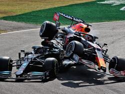 Mercedes wil verandering na crash Hamilton en Verstappen