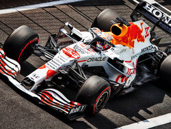 Samenvatting VT2 Grand Prix van Turkije  Hamilton zet dominantie voort, Verstappen kent lastige middag