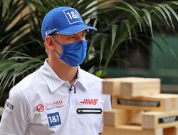 <b> Video: </b> Schumacher en engineer houden de moed erin met kip