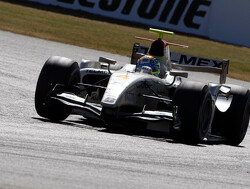 Sergio Perez domineert GP2-sprintrace op Silverstone
