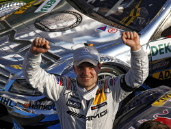 Mercedes renews contract of Jamie Green for 2012