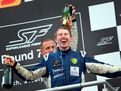 John Martin wint eerste race in Navarra voor Beijing Guoan