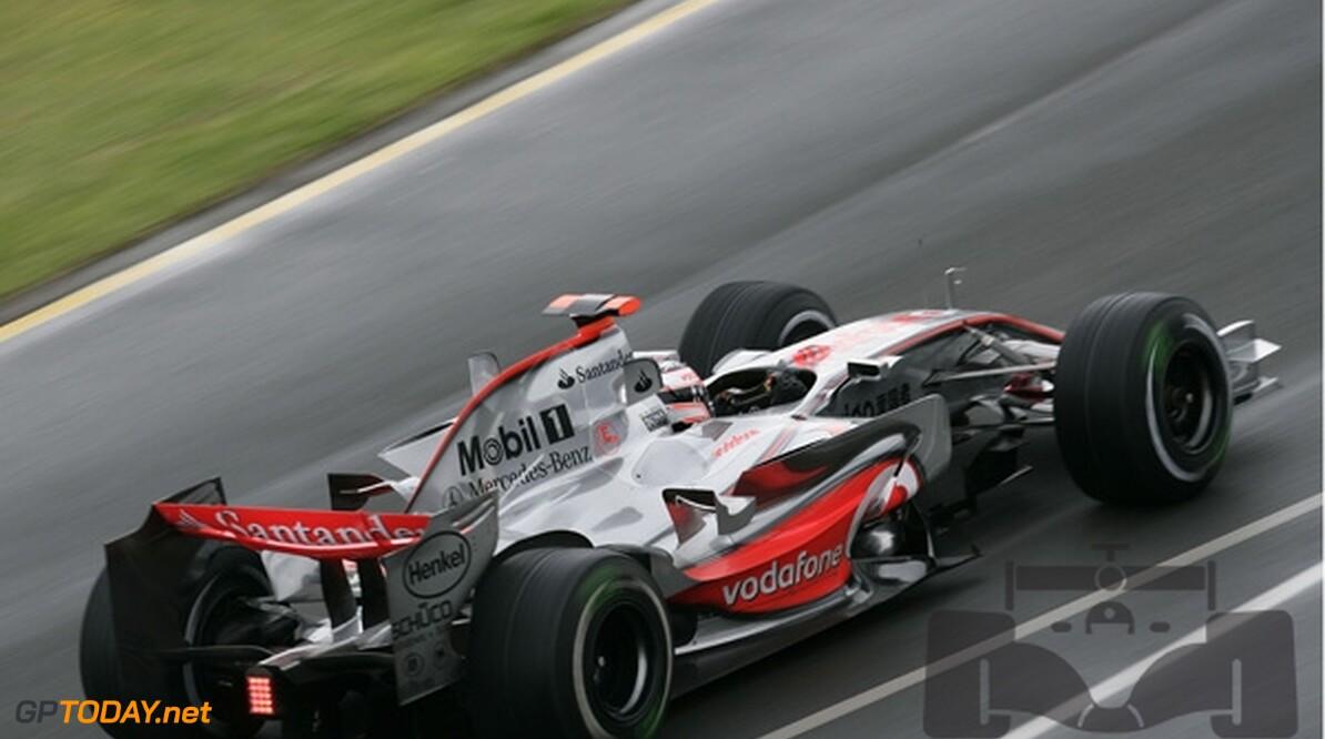 Fernando Alonso stuurt advocaat naar McLaren