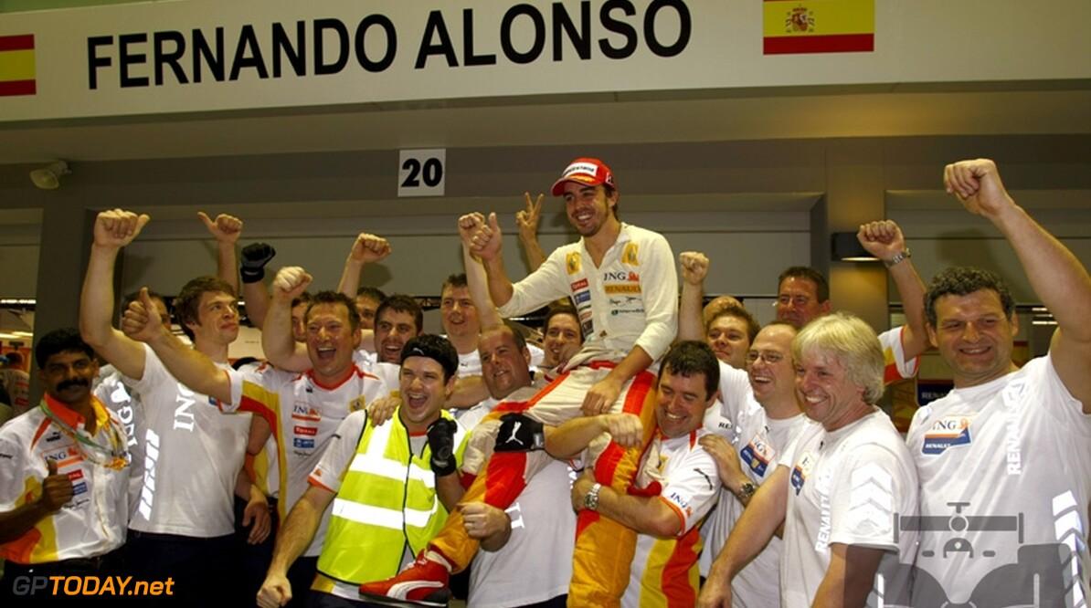 Alonso zet zich schrap voor emotioneel afscheid van Renault