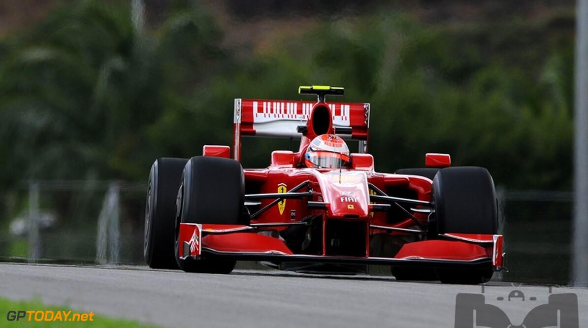 """Raikkonen: """"Misschien haalt Mercedes GP ons nog over om te blijven"""""""
