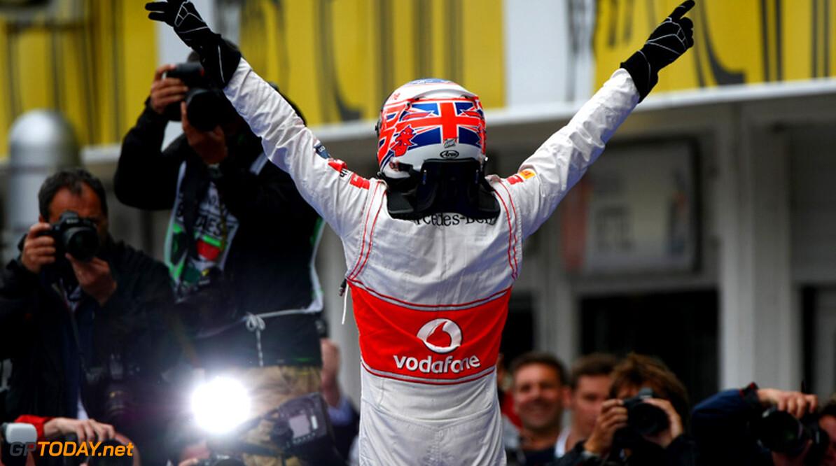 Jenson Button ligt tot eind 2014 onder contract bij McLaren