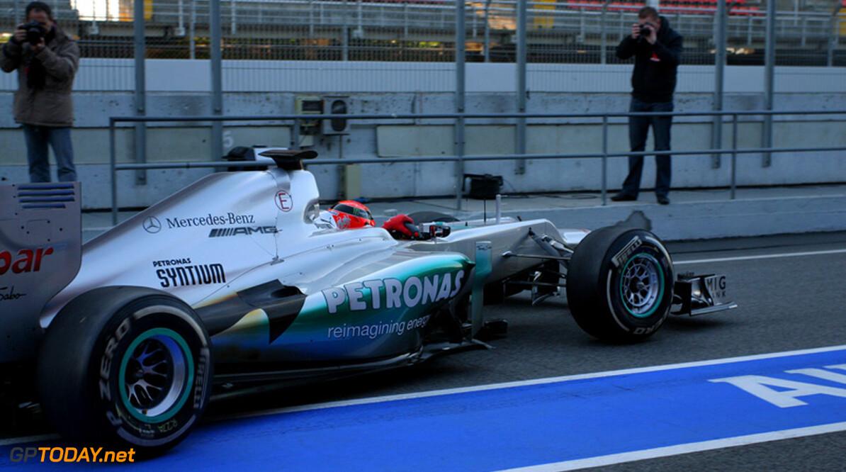 VT2: Schumacher springt het beste om met opdrogende baan