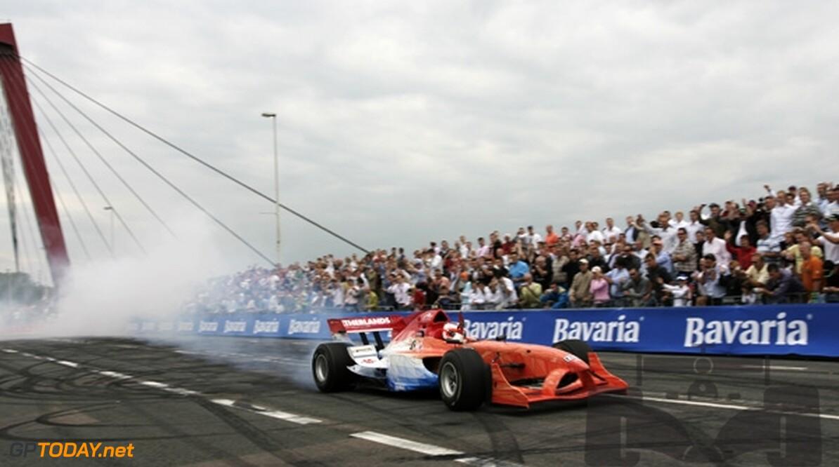 Silverstone dag 1: Nieuw-Zeeland snelst, Nederland derde