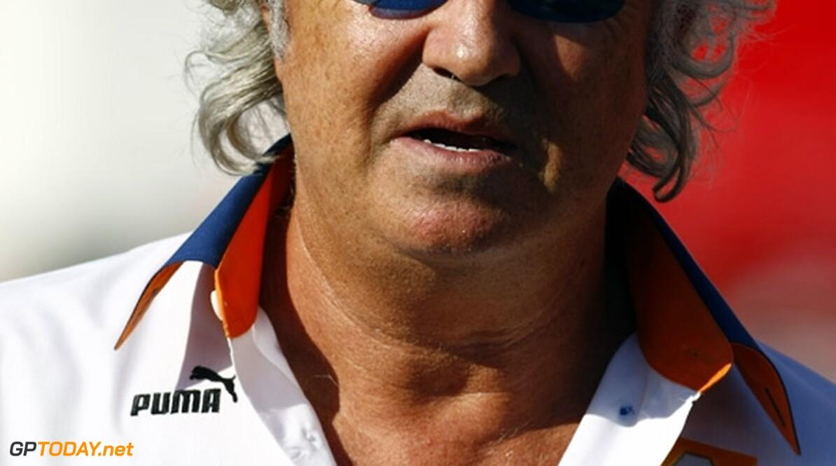 Briatore aangeslagen door straf, overweegt aanklacht tegen FIA