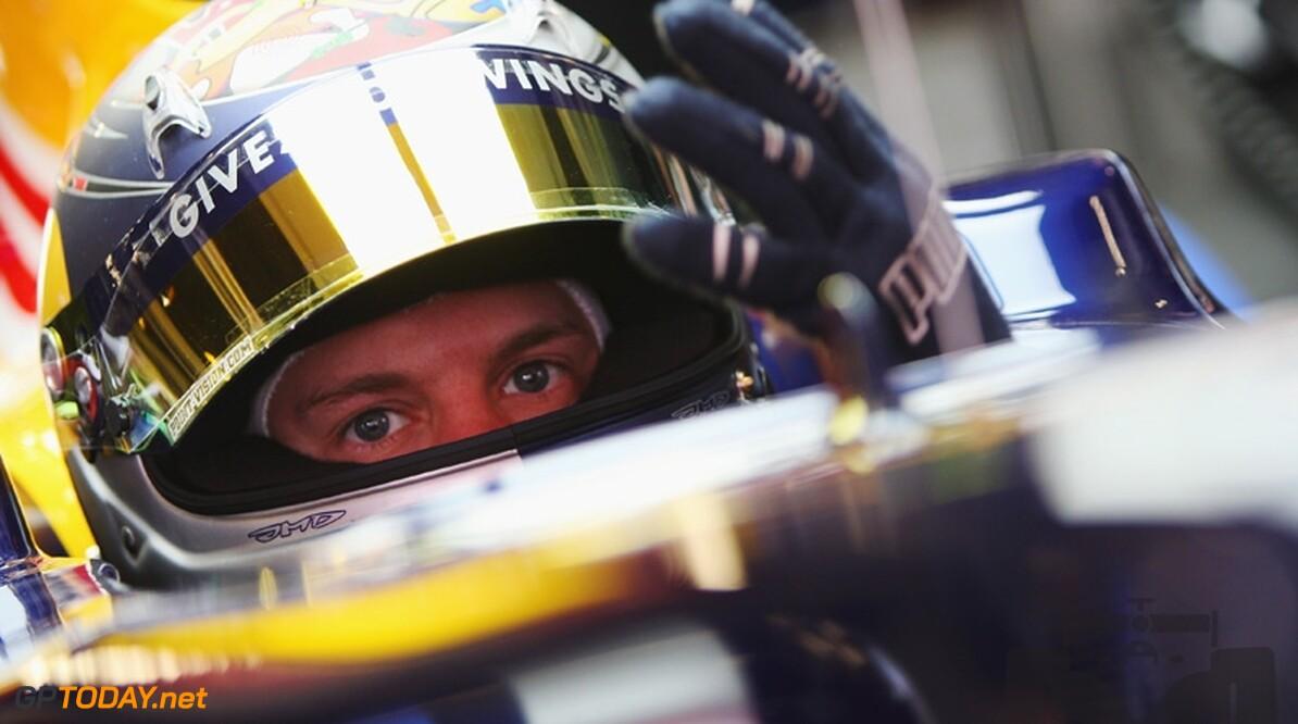 Vettel baalt van trage start en KERS bij voorligger