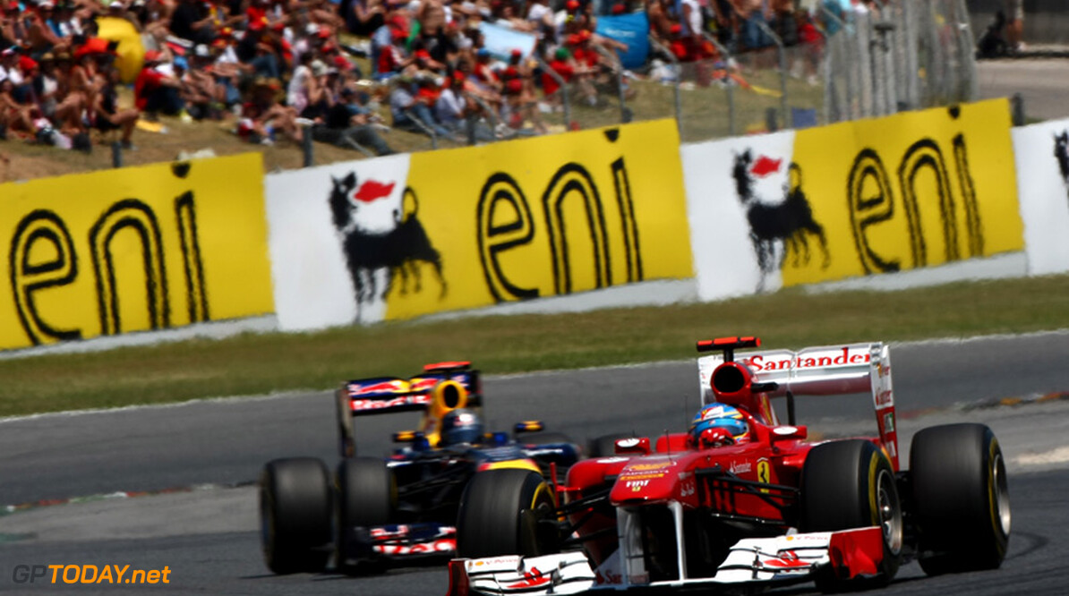 Ferrari beklaagt zich over nieuwe harde band van Pirelli