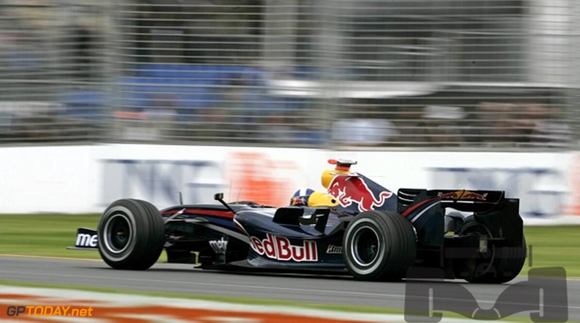 Red Bull Racing laat pasfoto-auto's veilen voor goed doel