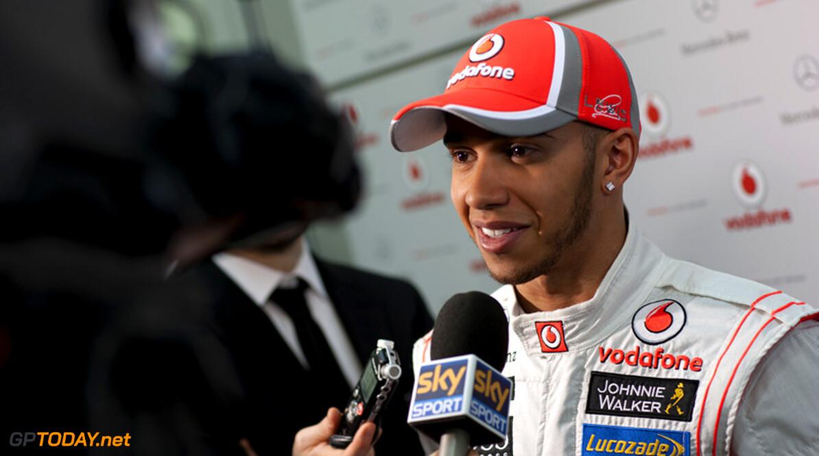 """Hamilton: """"Na eerste paar races praten we over nieuw contract"""""""
