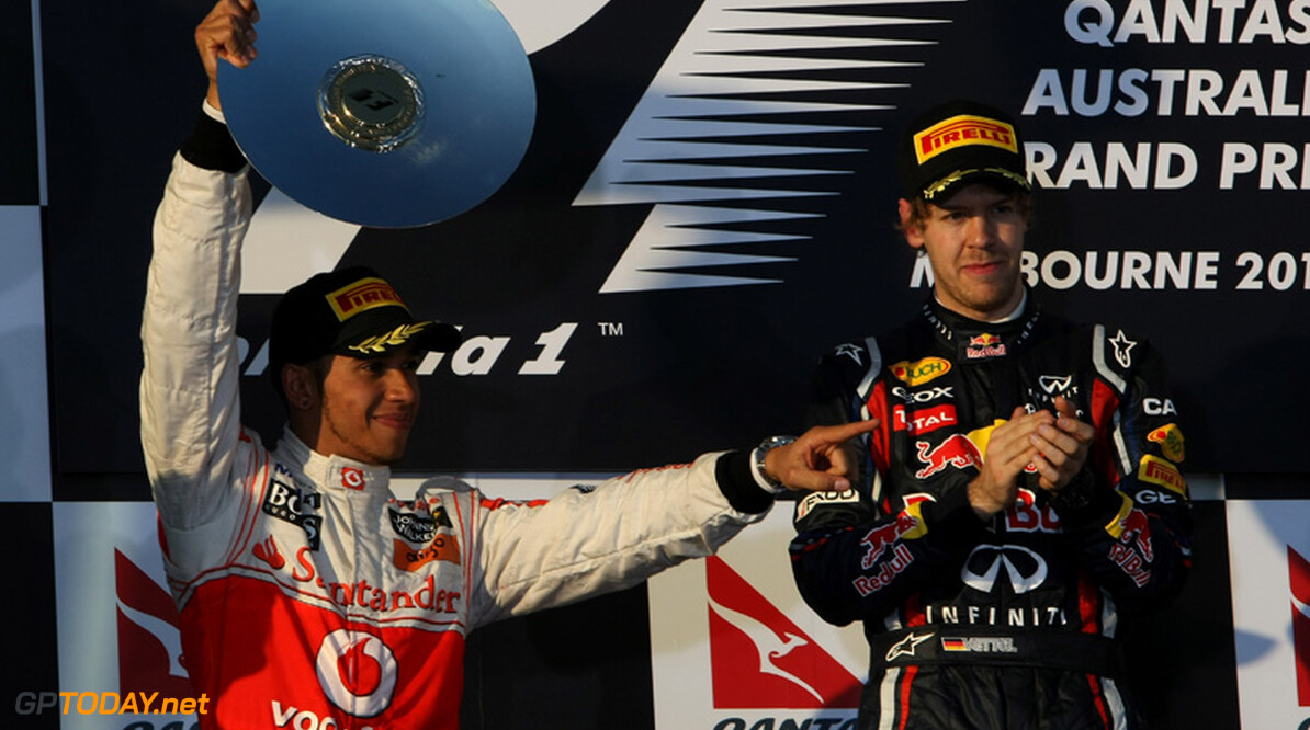 """Hamilton: """"De voorvleugel van Vettel gezien? Die buigt gewoon"""""""