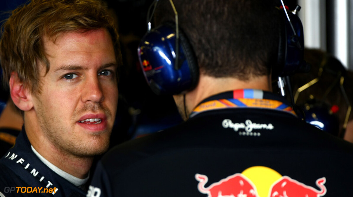 Pirelli tast in het duister over falen band Vettel