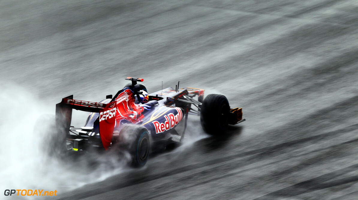 141015532KR226_Malaysian_F1 KUALA LUMPUR, MALAYSIA - MARCH 25:  Daniel Ricciardo of Australia and Scuderia Toro Rosso drives during the Malaysian Formula One Grand Prix at the Sepang Circuit on March 25, 2012 in Kuala Lumpur, Malaysia.  (Photo by Paul Gilham/Getty Images) *** Local Caption *** Daniel Ricciardo Malaysian F1 Grand Prix - Race Paul Gilham Kuala Lumpur Malaysia  Formula One Racing F1