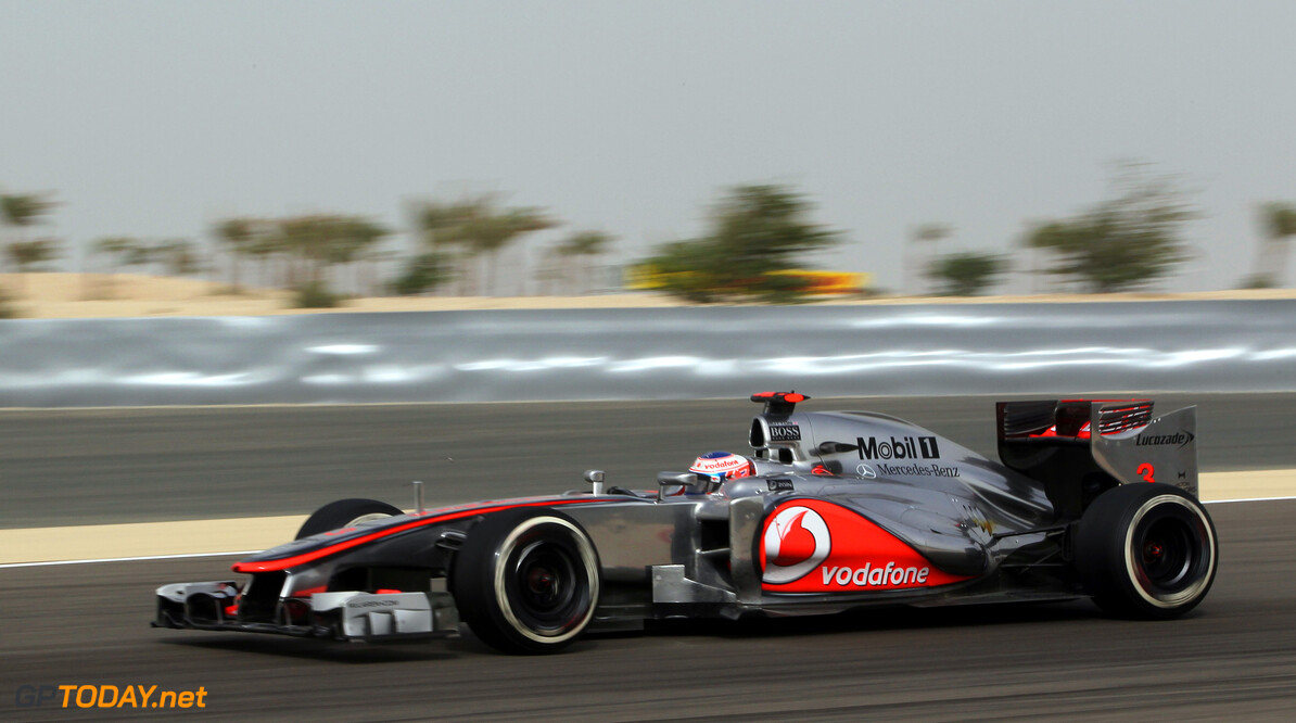www.hoch-zwei.net Jenson Button at Bahrain GP *** Local Caption *** +++ www.hoch-zwei.net +++ copyright: HOCH ZWEI +++ Motorsports: FIA Formula One World Championship 2012, Grand Prix of Bahrain HOCH ZWEI Sakhir Bahrain  Motorsport - motor sport Grand Prix - Grosser Preis Formel Eins - formula one Formel 1 - formula 1 Formel 1 - formula one F1 - F 1 Partner01 Circuit Name - Bahrain Internat GP04 Weltmeisterschaft - world champ Bahrein - Bahrain Bahrain GP Vodafone McLaren Mercedes Jenson Button Fahrszene - race action    Rennen - race    Aktion - action    Rennszene fahrend Fahrbild faehrt Aktionsfoto Aktionsbild partner02 PSP02D30 AlleAktuell SportmagAktuell