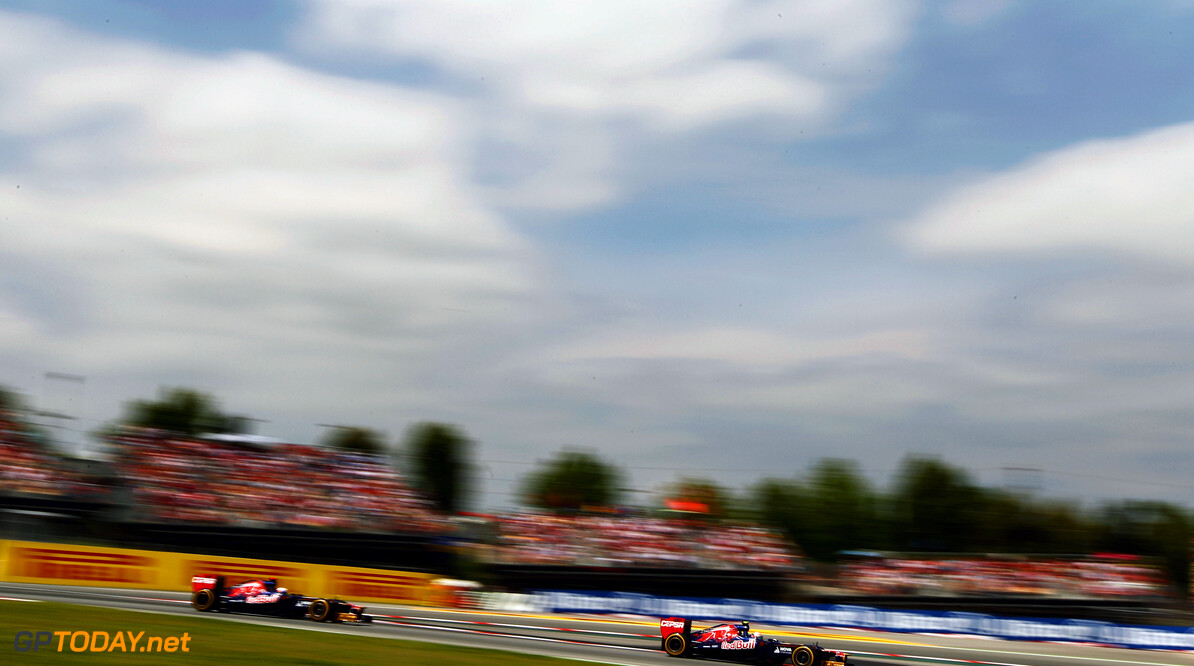 141017293KR074_Spanish_F1_G BARCELONA, SPAIN - MAY 13:  Jean-Eric Vergne of France and Scuderia Toro Rosso leads from team mate Daniel Ricciardo of Australia and Scuderia Toro Rosso during the Spanish Formula One Grand Prix at the Circuit de Catalunya on May 13, 2012 in Barcelona, Spain.  (Photo by Paul Gilham/Getty Images) *** Local Caption *** Jean-Eric Vergne; Daniel Ricciardo Spanish F1 Grand Prix - Race Paul Gilham Barcelona Spain  Formula One Racing F1
