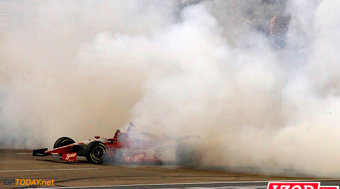 "2012 IndyCar Texas priority 8-9 June, 2012, Fort Worth, Texas, USA.Justin Wilson burnout.(c)2012, Phil Abbott.LAT Photo USA.IMAGE COURTESY OF INDYCAR FOR EDITORIAL USAGE ONLY.  MANDATORY CREDIT: ""INDYCAR/LAT USA""  (c)2012 Fort Worth USA  Justin Wilson victory burn out celebration 2012 IndyCar Texas"