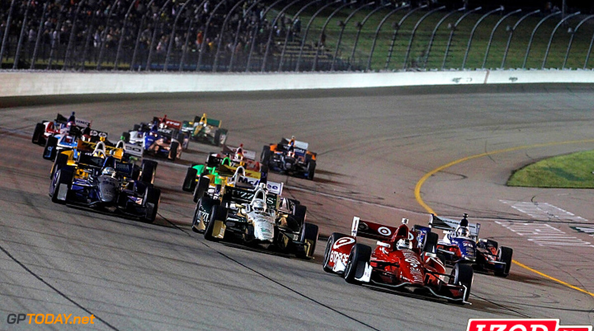 "2012 IndyCar Iowa priority 22-23 June, 2012, Newton, Iowa, USA.Scott Dixon leads the last restart.(c)2012, Phillip Abbott.LAT Photo USA.IMAGE COURTESY OF INDYCAR FOR EDITORIAL USAGE ONLY.  MANDATORY CREDIT: ""INDYCAR/LAT USA""  (c)2012, Michael L. Levitt Newton USA  Scott Dixon 2012 IndyCar Iowa"