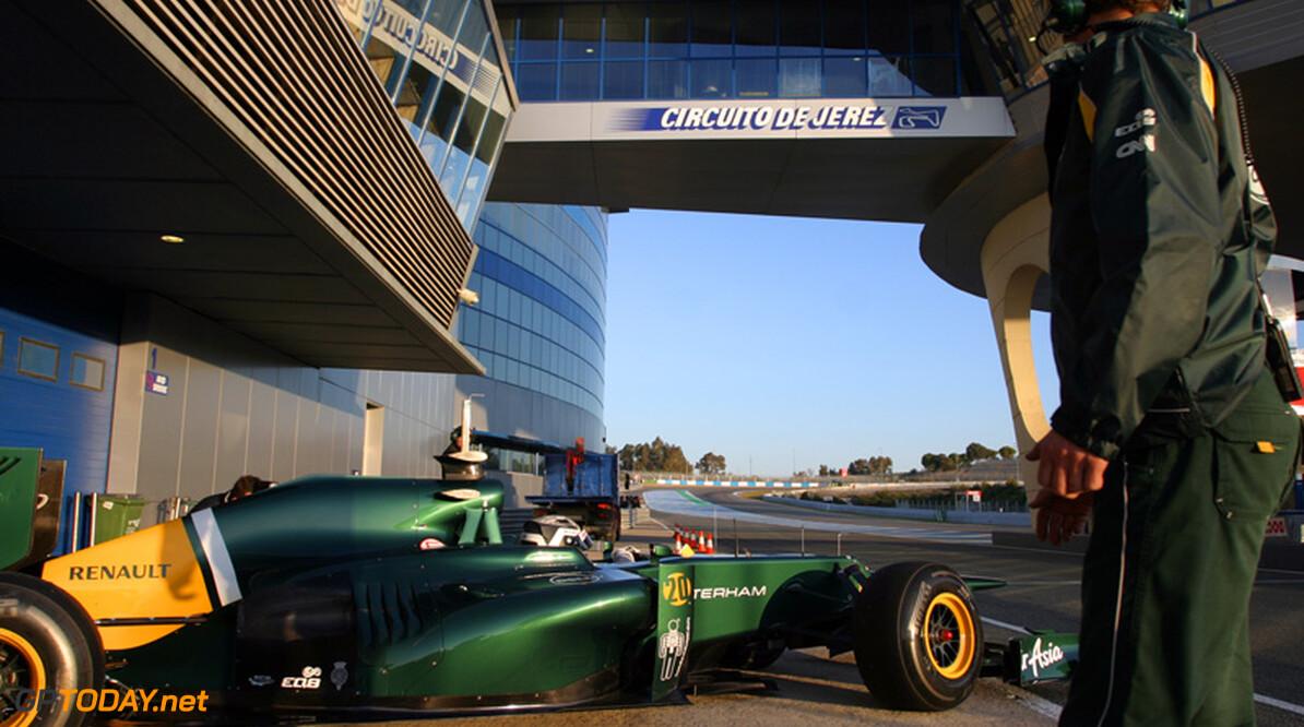 <b>Foto's:</b> Van der Garde rijdt eerste ronde voor Caterham