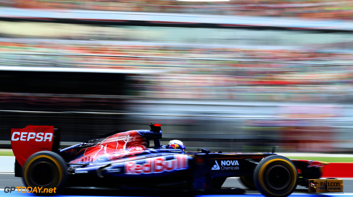 141020669KR00184_F1_Grand_P NOIDA, INDIA - OCTOBER 27:  Daniel Ricciardo of Australia and Scuderia Toro Rosso drives during qualifying for the Indian Formula One Grand Prix at Buddh International Circuit on October 27, 2012 in Noida, India.  (Photo by Mark Thompson/Getty Images) *** Local Caption *** Daniel Ricciardo F1 Grand Prix Of India - Qualifying Mark Thompson Noida India  Formula One Racing