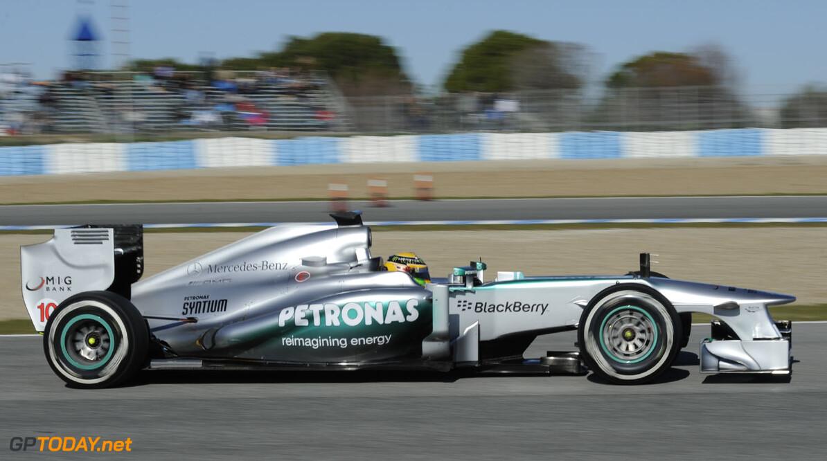 Mercedes roemt Lewis Hamilton nu al vanwege inbreng