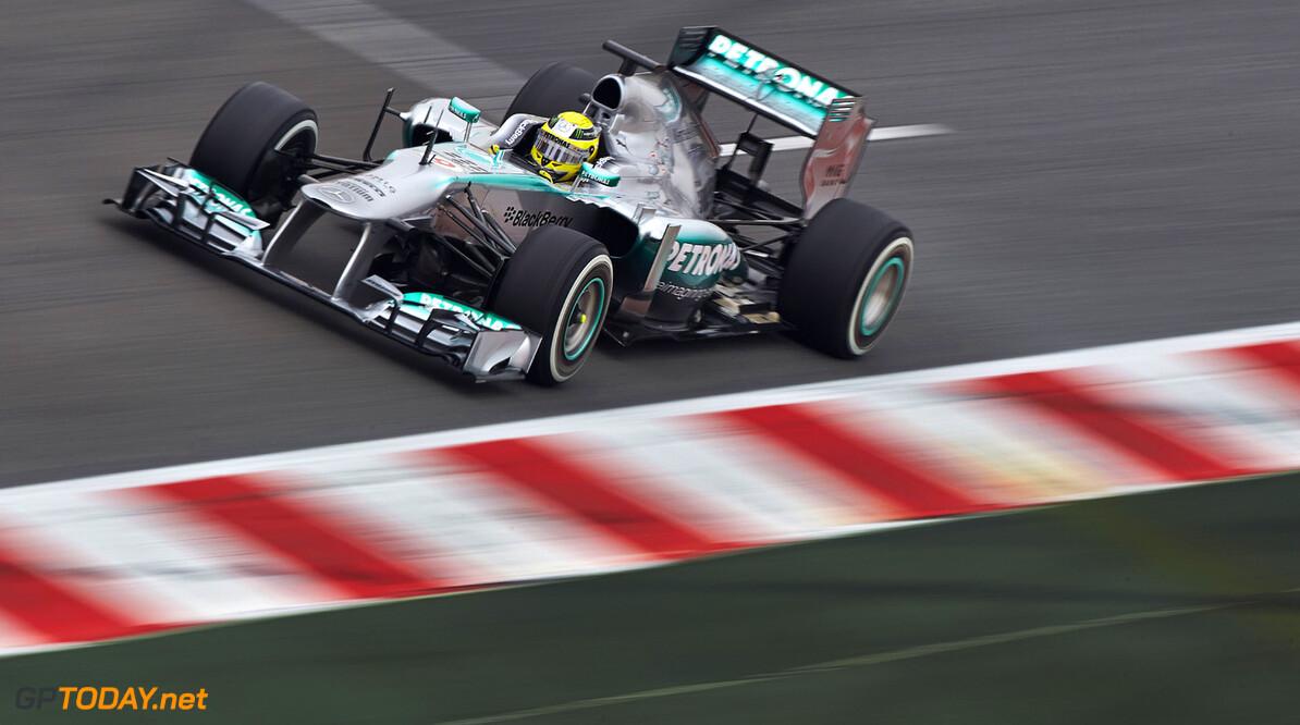 """Lauda: """"Mercedes schaart zich in groep achter Red Bull Racing"""""""
