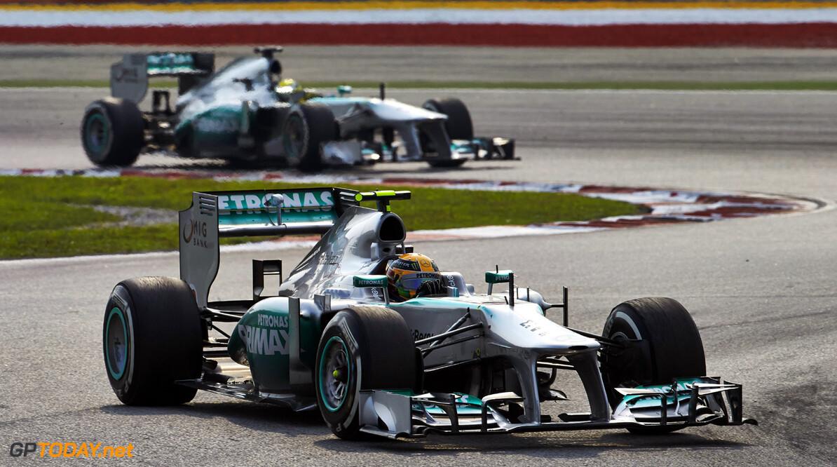Mercedes zoekt oorzaak bandenproblemen in processen