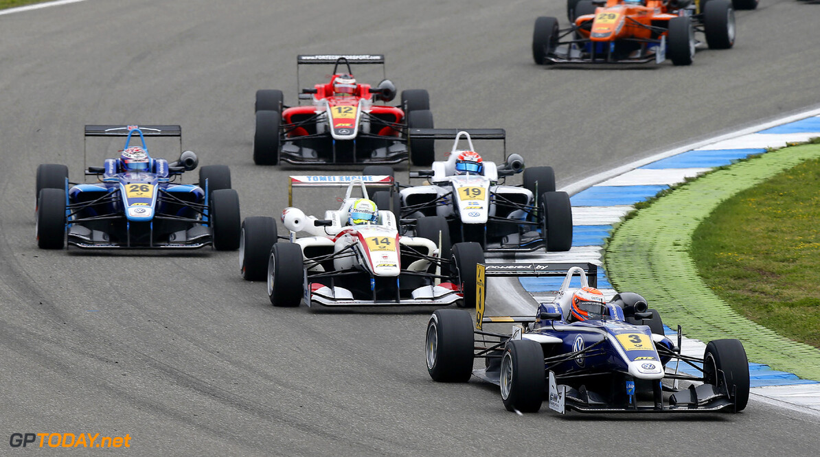 FIA Formula 3 European Championship, round 3, race 3, Hockenheim Start of the race, 3 Harry Tincknell (GB, Carlin, Dallara F312 Volkswagen), 14 William Buller (GB, Threebond with T-Sport, Dallara F312 ThreeBond Nissan), FIA Formula 3 European Championship, round 3, race 3, Hockenheim (D) - 3. - 5. May 2013 *** Local Caption *** Copyright (c) FIA Formula 3 European Championship / Thomas Suer FIA Formula 3 European Championship, round 3, race 3, Hockenheim (D) Thomas Suer Hockenheim Germany