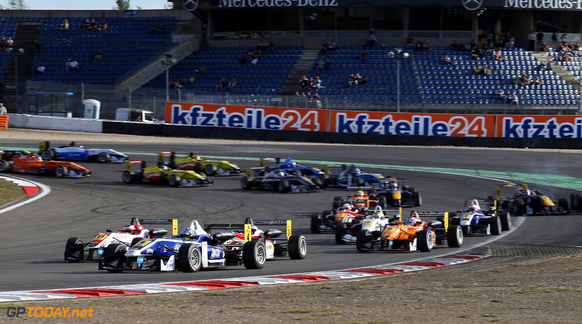 FIA Formula 3 European Championship, round 7, race 2, Nuerburgri Start of the race, 4 Jordan King (GB, Carlin, Dallara F312 Volkswagen), FIA Formula 3 European Championship, round 7, race 2, Nuerburgring (D) - 16. - 18. August 2013 *** Local Caption *** Copyright (c) FIA Formula 3 European Championship / Thomas Suer FIA Formula 3 European Championship, round 7, race 2, Nuerburgring (D) Thomas Suer Nuerburgring Germany
