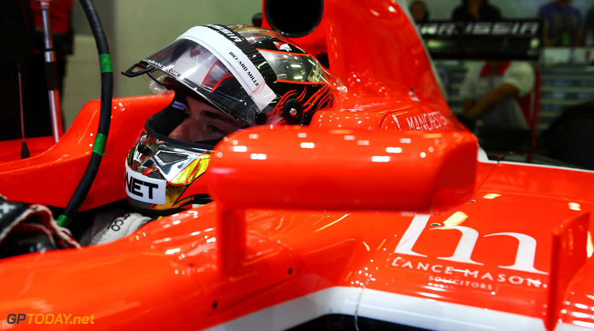 Bianchi signs new contract to stay at Marussia for 2014