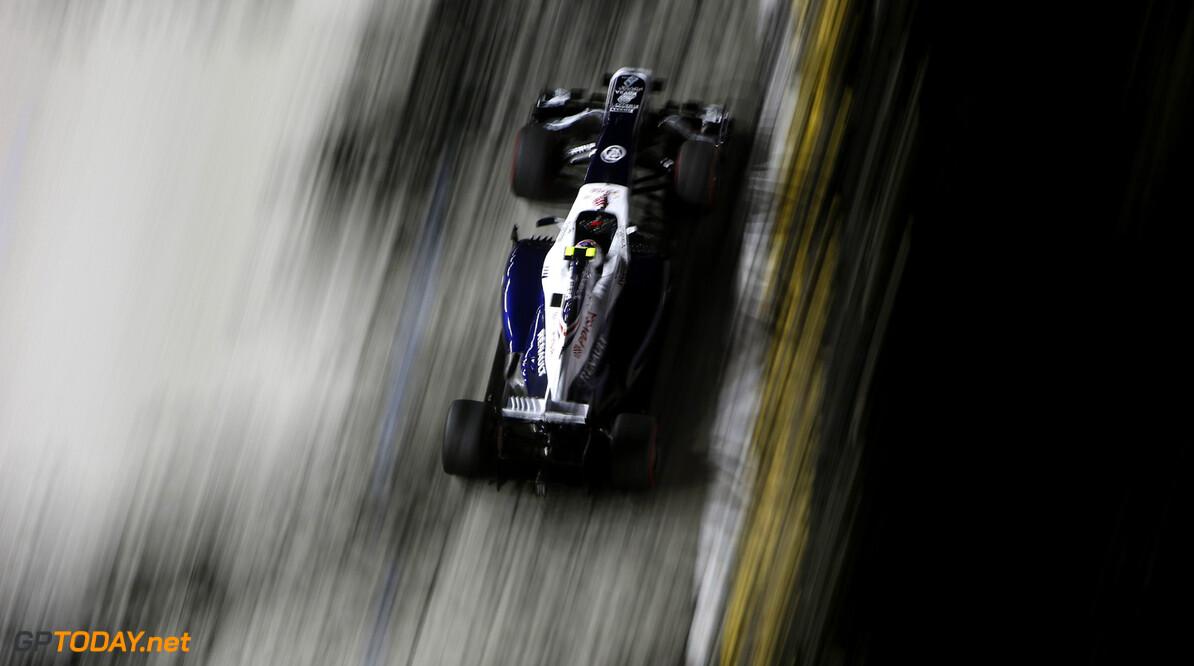 Perez in 'difficult position', Maldonado has 'couple of options'