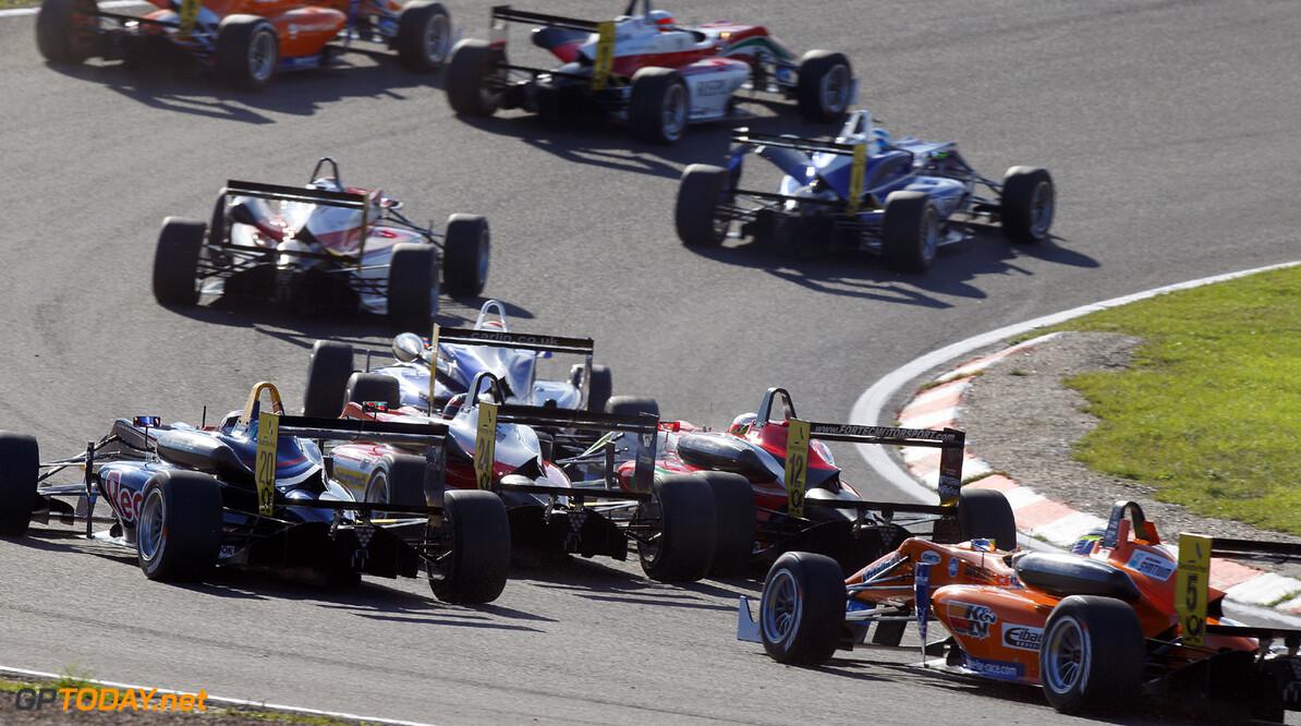 FIA Formula 3 European Championship, round 8, race 1, Zandvoort  Start of the race, FIA Formula 3 European Championship, round 8, race 1, Zandvoort (NL) - 27. - 29. September 2013 FIA Formula 3 European Championship, round 8, race 1, Zandvoort (NL) Thomas Suer Zandvoort Netherlands