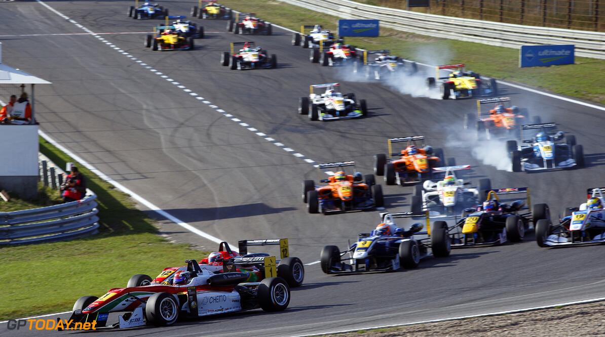 FIA Formula 3 European Championship, round 8, race 3, Zandvoort  Start of the race, 1 Raffaele Marciello (I, Prema Powerteam, Dallara F312 Mercedes), 12 Luis Felipe Derani (BR, Fortec Motorsports, Dallara F312 Mercedes), FIA Formula 3 European Championship, round 8, race 3, Zandvoort (NL) - 27. - 29. September 2013 FIA Formula 3 European Championship, round 8, race 3, Zandvoort (NL) Thomas Suer Zandvoort Netherlands