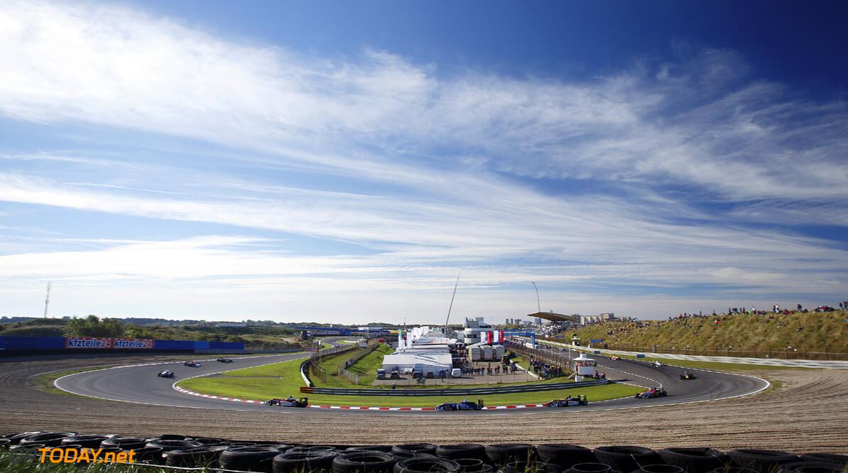 FIA Formula 3 European Championship, round 8, race 1, Zandvoort  Formation lap, FIA Formula 3 European Championship, round 8, race 1, Zandvoort (NL) - 27. - 29. September 2013 FIA Formula 3 European Championship, round 8, race 1, Zandvoort (NL) Thomas Suer Zandvoort Netherlands