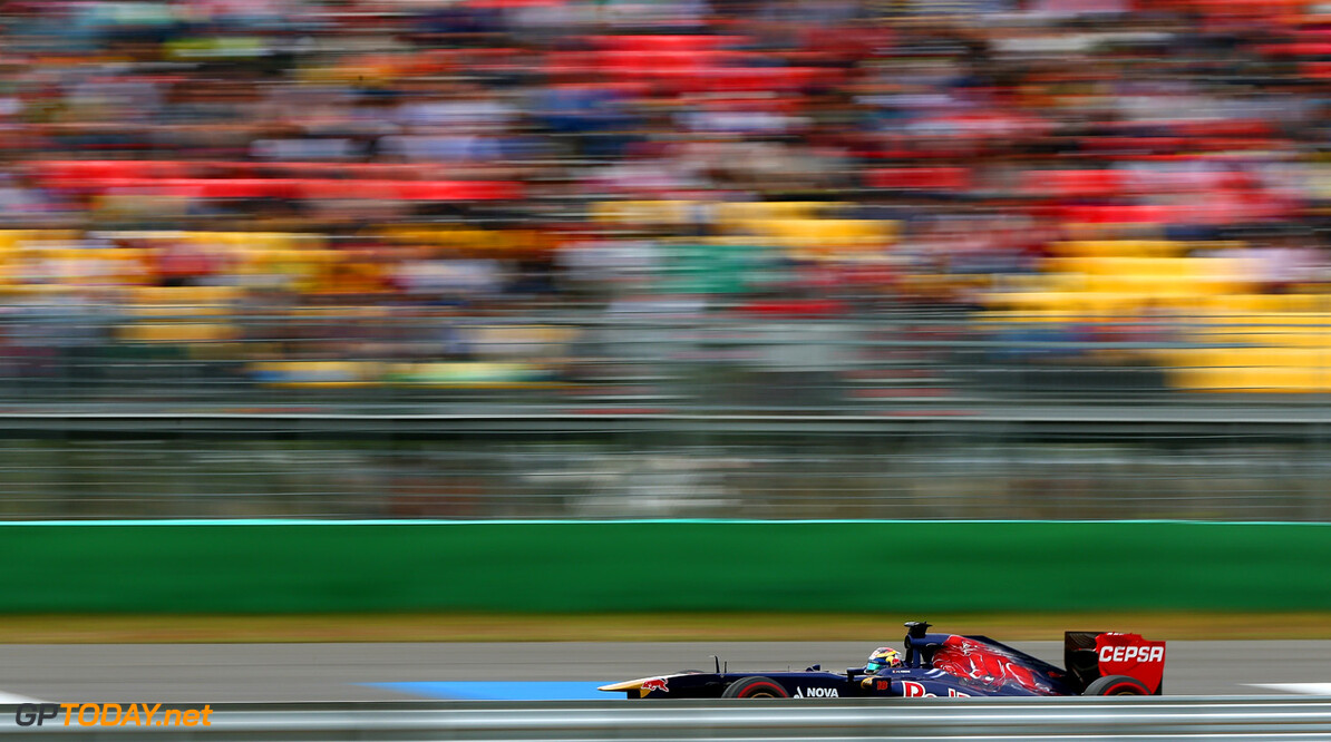 166988115KR00148_F1_Grand_P YEONGAM-GUN, SOUTH KOREA - OCTOBER 06:  Daniel Ricciardo of Australia and Scuderia Toro Rosso drives during the Korean Formula One Grand Prix at Korea International Circuit on October 6, 2013 in Yeongam-gun, South Korea.  (Photo by Clive Mason/Getty Images) *** Local Caption *** Daniel Ricciardo F1 Grand Prix of Korea - Race Clive Mason Yeongam-gun South Korea  F1 Mokpo