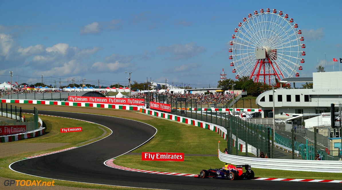 166988166KR00120_F1_Grand_P SUZUKA, JAPAN - OCTOBER 12:  Mark Webber of Australia and Infiniti Red Bull Racing drives during qualifying for the Japanese Formula One Grand Prix at Suzuka Circuit on October 12, 2013 in Suzuka, Japan.  (Photo by Clive Rose/Getty Images) *** Local Caption *** Mark Webber F1 Grand Prix of Japan - Qualifying Clive Rose Suzuka Japan