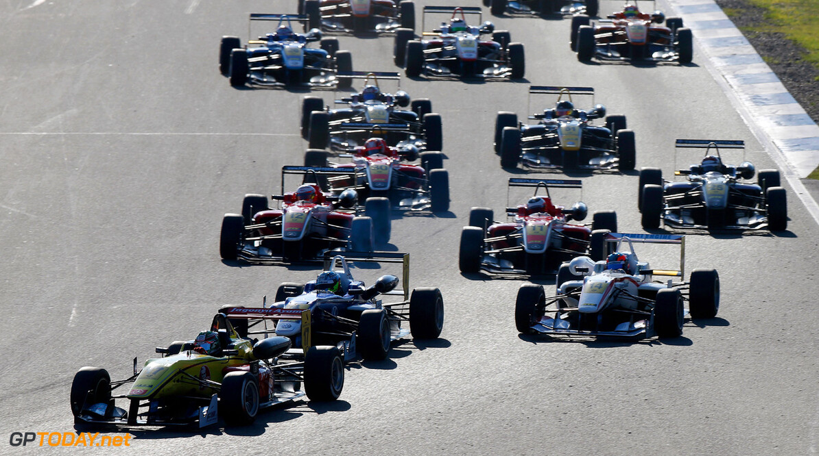 FIA Formula 3 European Championship, round 10, race 1, Hockenhei Start of the race, 17 Antonio Giovinazzi (I, Double R Racing, Dallara F312 Mercedes), FIA Formula 3 European Championship, round 10, race 1, Hockenheim (D) - 18. - 20. October 2013 FIA Formula 3 European Championship, round 10, race 1, Hockenheim (D) Thomas Suer Hockenheim Germany