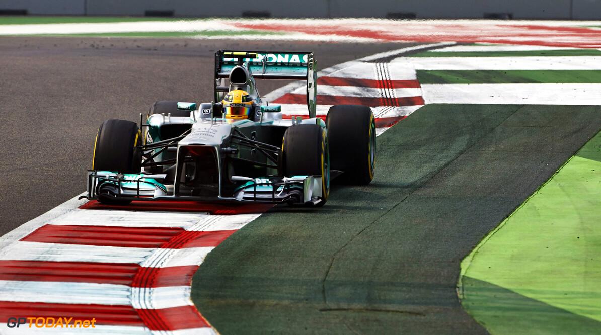"""Hamilton: """"Die spin kwam door een defect aan mijn wagen"""""""