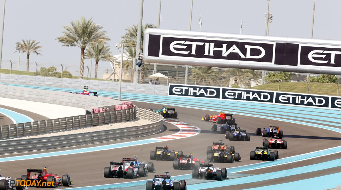 2013 GP2 Championship. Round 11. Yas Marina Circuit, Abu Dhabi, United Arab Emirates. 2nd November 2013. Saturday Race.  Race start. Action.  Photo: Alastair Staley/GP2 Media Service.  ref: Digital Image _R6T3872.jpg  Al Staley