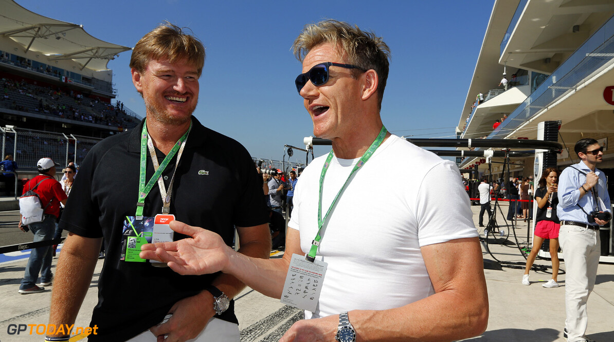 Ernie Els and Gordon Ramsay visit the team