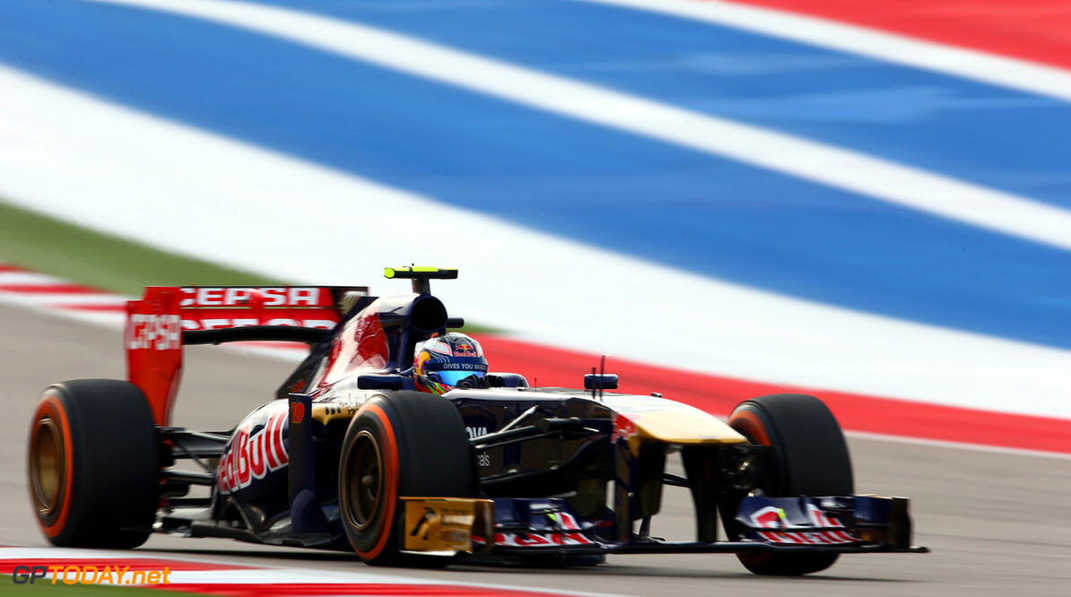 166989396KR00018_F1_Grand_P AUSTIN, TX - NOVEMBER 16:  Daniel Ricciardo of Australia and Scuderia Toro Rosso drives during the final practice session prior to qualifying for the United States Formula One Grand Prix at Circuit of The Americas on November 16, 2013 in Austin, United States.  (Photo by Paul Gilham/Getty Images) *** Local Caption *** Daniel Ricciardo F1 Grand Prix of USA - Qualifying Paul Gilham Austin United States  F1 Formula One
