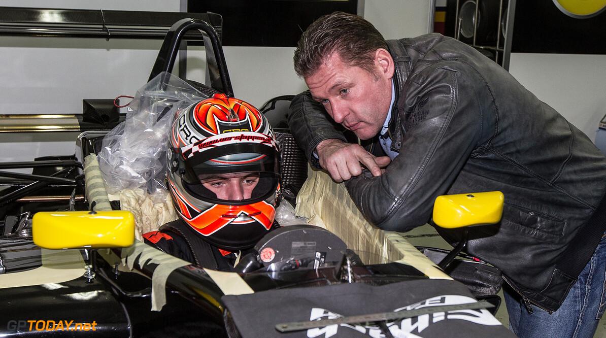 Exclusief: Max Verstappen bereidt zich voor op F3-test