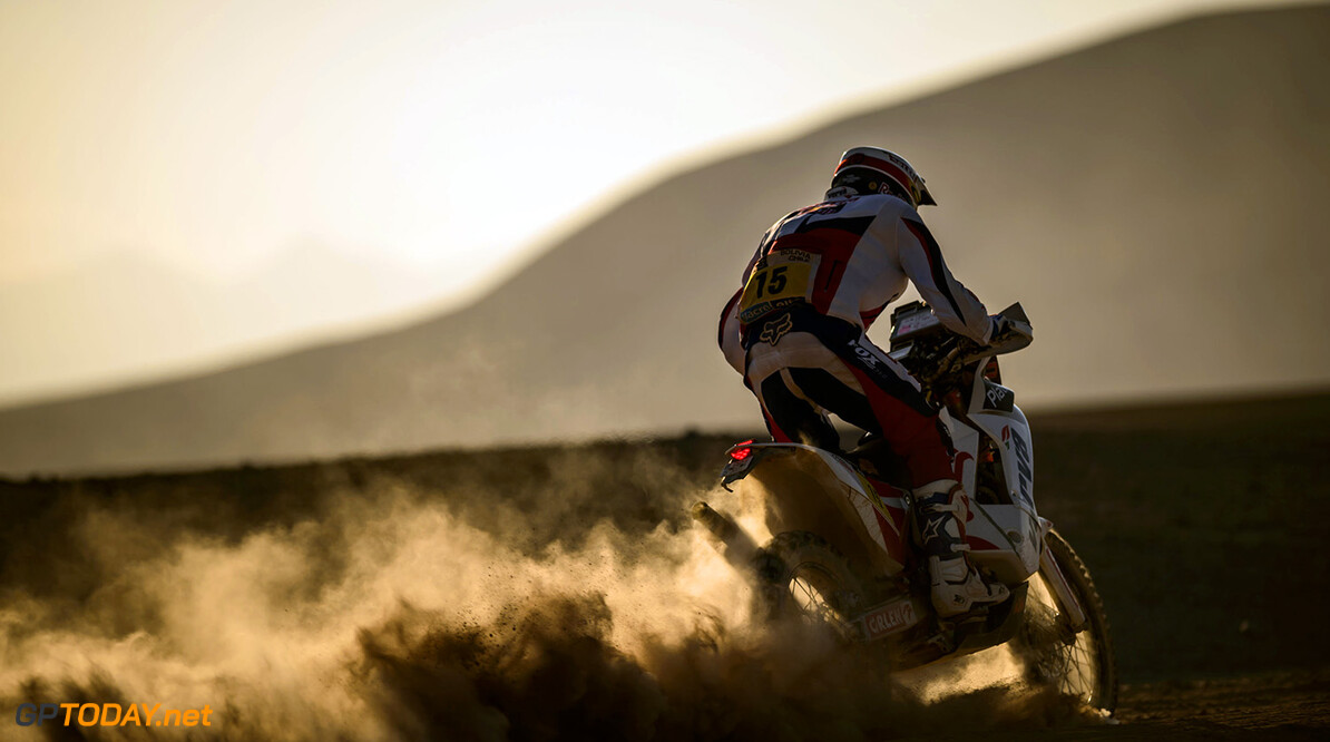 Jakub Przygonski races during the 11th stage of Dakar Rally from Antofagasta to El Salvador, Chile on January 16th, 2014 // Marcelo Maragni/Red Bull Content Pool // P-20140116-00117 // Usage for editorial use only // Please go to www.redbullcontentpool.com for further information. // Jakub Przygonski - Action  Antofagasta Chile  P-20140116-00117