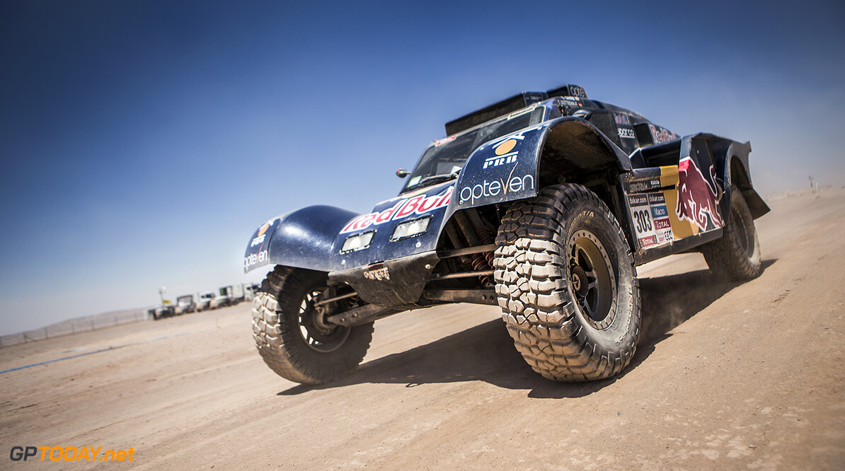 Carlos Sainz (driver) and Timo Gottschalk (co-driver) race during the 8th stage of Dakar Rally from Salta, Argentina to Calama, Chile on January 13th, 2014 // Kin Marcin/Red Bull Content Pool // P-20140115-00152 // Usage for editorial use only // Please go to www.redbullcontentpool.com for further information. // Carlos Sainz - Action Marcin Kin Calama Argentina  P-20140115-00152