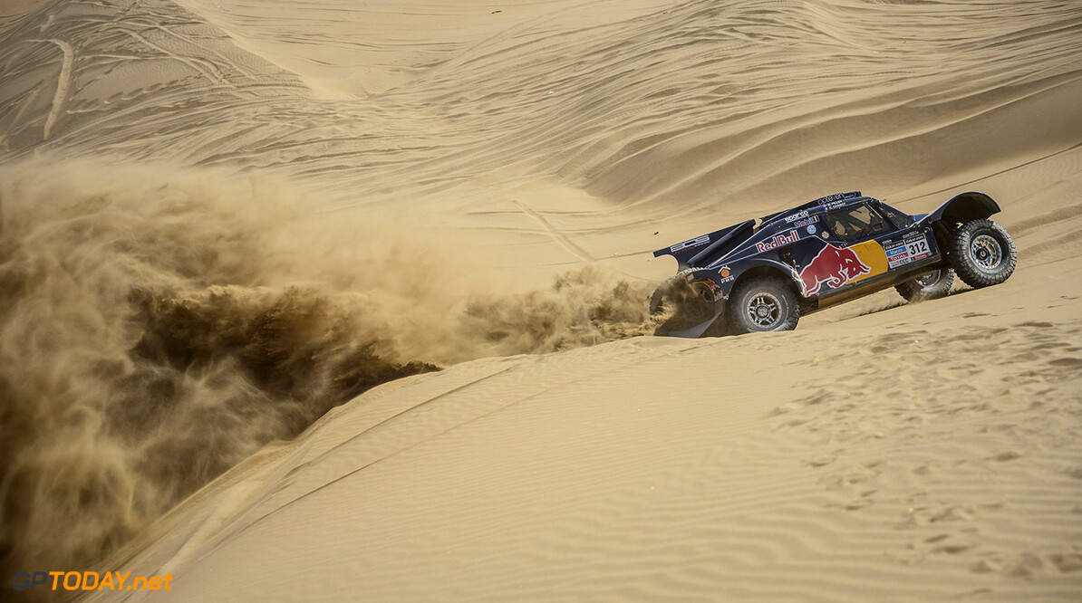 Ronan Chabot (driver) and Gilles Pillot (co-driver) race during the 10th stage of Dakar Rally from Iquique to Antofagasta, Chile on January 15th, 2014 // Marcelo Maragni/Red Bull Content Pool // P-20140115-00345 // Usage for editorial use only // Please go to www.redbullcontentpool.com for further information. // Ronan Chabot - Action  Iquique Argentina  P-20140115-00345