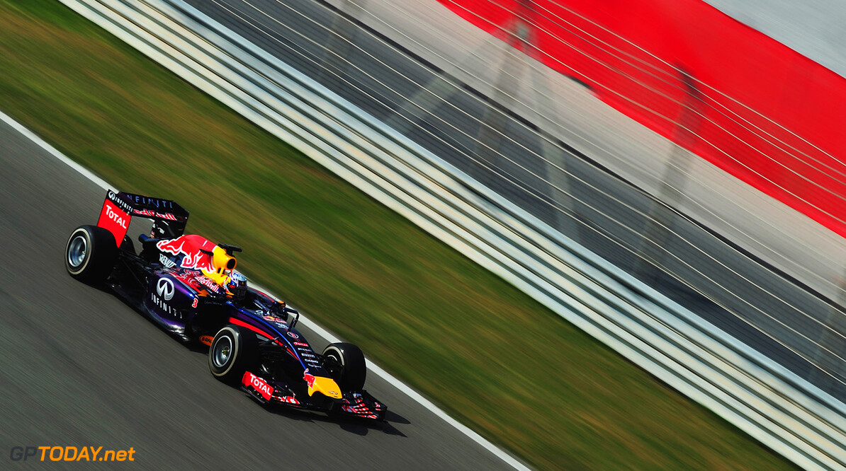 474101321XX00007_F1_Testing BAHRAIN, BAHRAIN - FEBRUARY 27:  Daniel Ricciardo of Australia and Infiniti Red Bull Racing drives during day one of Formula One Winter Testing at the Bahrain International Circuit on February 27, 2014 in Bahrain, Bahrain.  (Photo by Shaun Botterill/Getty Images) *** Local Caption *** Daniel Ricciardo F1 Testing in Bahrain - Day One Shaun Botterill Bahrain Bahrain  Formula One Racing