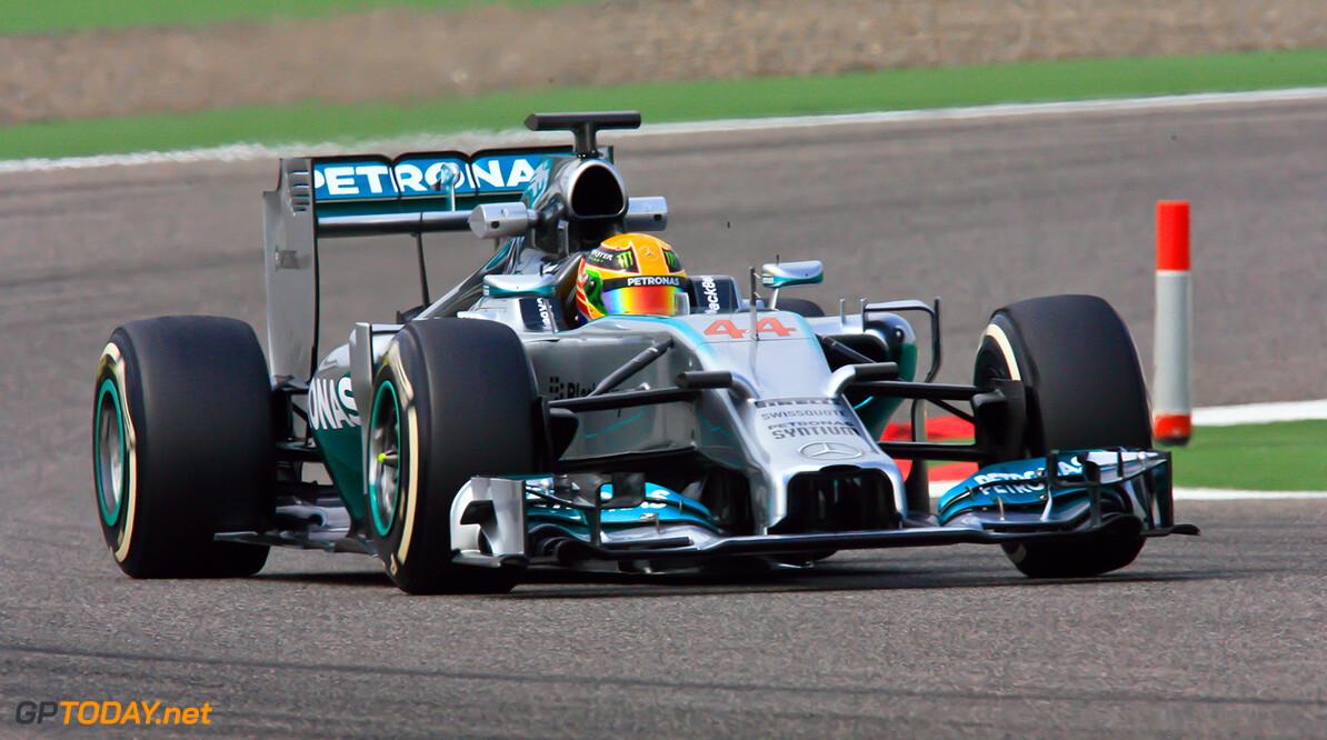 """Hamilton op zijn hoede: """"Mooie auto's zijn doorgaan snel"""""""